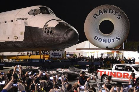 Endeavour at Randy's Donuts